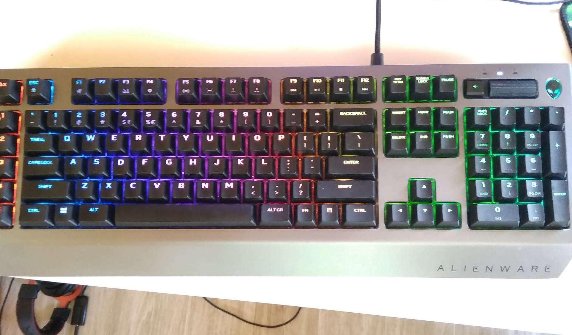 Alienware AW768 Pro