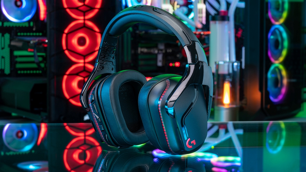 Logitech G935 Wireless 7.1 Surround Sound Gaming Headset Review